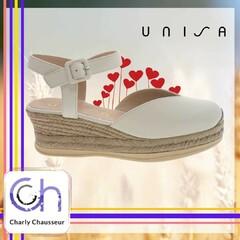 Plein de cœurs pour ce modèle de la marque Unisa, on adore tout simplement.  https://www.charlychaussures.com/  #été #coupdecoeur❤️